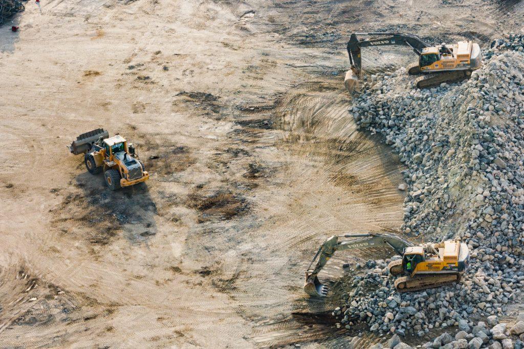 Excavatrices travaillant des plaques d'usure à surface dure